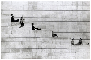 robert-doisneau-diagonal-steps-paris-1953Robert Doisneau, Diagonal Steps, Paris, 1953