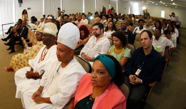 """Cerimônia de posse do COMPIR – Conselho Municipal de Promoção da Igualdade Racial e Lançamento da pesquisa """"Diversidade Étnico-racial e Pluralismo Religioso no Município de São Paulo"""""""